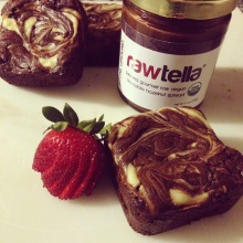 37-Cooks-Rawtella-Cheesecake-Brownies-Surprise-Food-Exchange-Jenny-Manseau-1